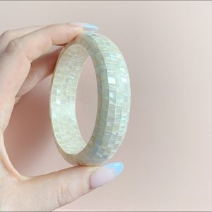 Jewelry - vintage mother of pearl ceramic bangle